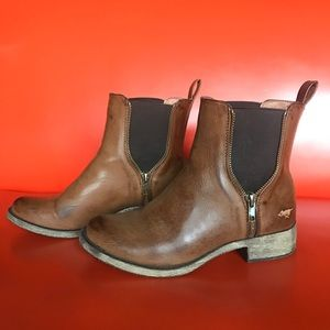 Rocket Dog boots in brown, size 6